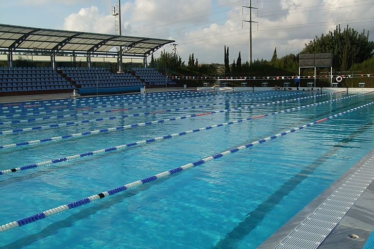 Sports abroad yeroskipou paphos sports abroad for Swimming pool certification course